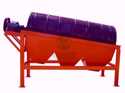 滚筒筛结构:  滚筒筛可设有梳型清筛